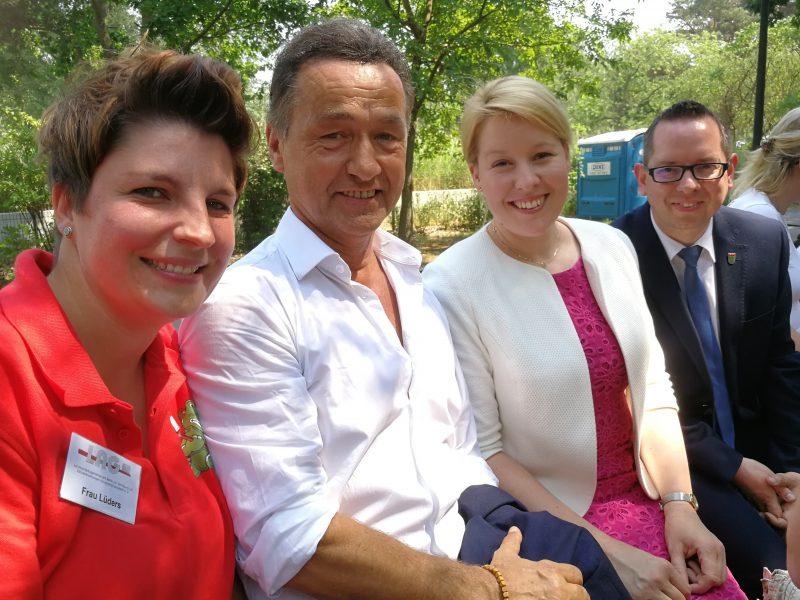 Bundesministerin Giffey besucht die LAG beim Internationalen Kindertag 2018 im FEZ-Berlin